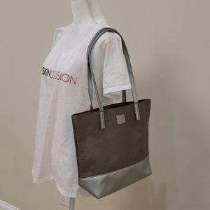 New NWOT women's shoulder bag